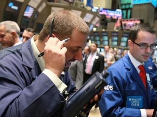 Giá vàng, chứng khoán Mỹ cùng giảm khi nhà đầu tư thận trọng