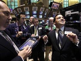 Giá vàng tăng mạnh nhất tuần sau báo cáo việc làm của Mỹ