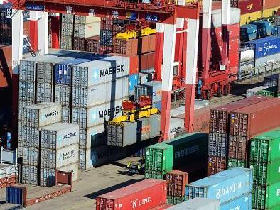Vượt Mỹ, Trung Quốc đứng đầu thế giới về thương mại