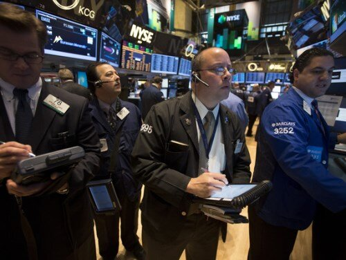 Chứng khoán Mỹ tăng vọt, giá vàng giảm