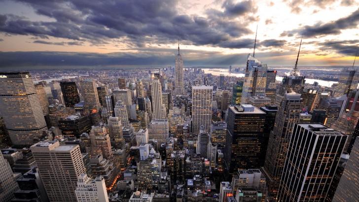 Tài sản của các siêu đại gia thế giới đang đổ vào bất động sản