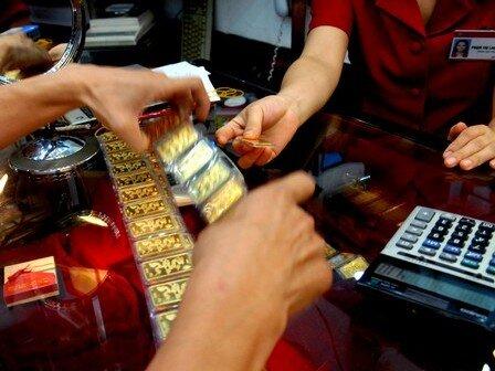 NHNN được miễn thuế xuất nhập khẩu vàng nguyên liệu