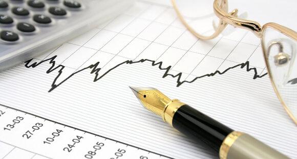 VN-Index vượt 560, cân nhắc dừng bán