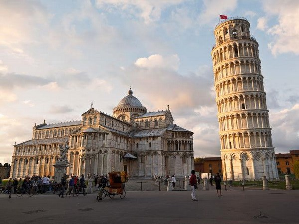 Mafia đã từng lên kế hoạch đánh bom Tháp nghiêng Pisa