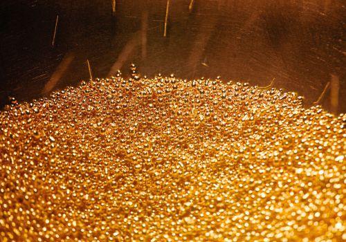 Các xưởng đúc tiền vàng hối hả đáp ứng nhu cầu thế giới