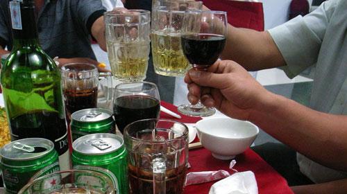 Dự kiến tăng thuế tiêu thụ đặc biệt với bia, rượu, thuốc lá