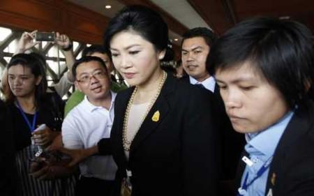 Thủ tướng Thái Lan Yingluck Shinawatra đang trong thế mắc kẹt