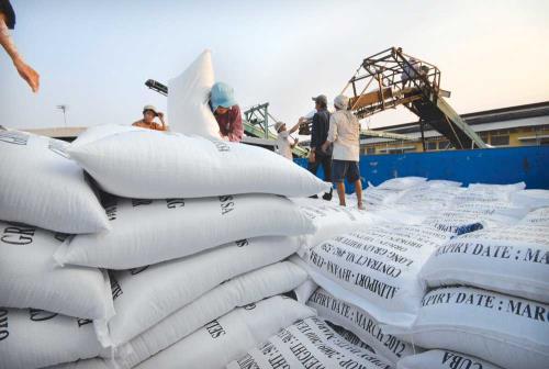 Thái Lan bán thêm 220.000 tấn gạo, thêm sức ép lên gạo Việt