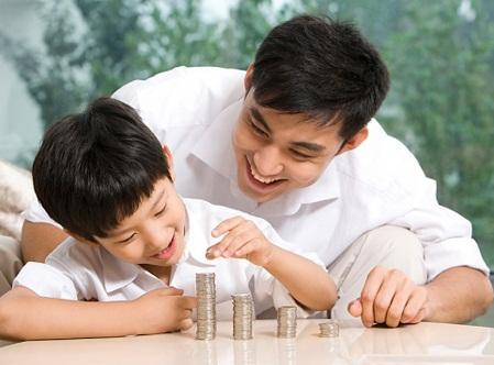 Dạy con quý trọng đồng tiền ngay từ khi còn nhỏ