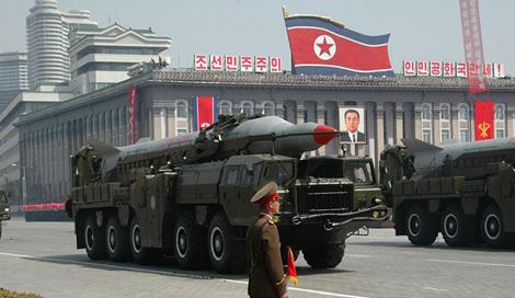 Triều Tiên lại bắn thử 2 tên lửa