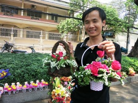 Dịp lễ 8/3, hoa hồng tăng giá kỷ lục