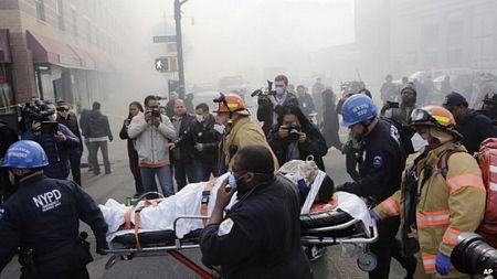 Thông tin ban đầu cho biết 11 người đã bị thương trong vụ sập nhà.