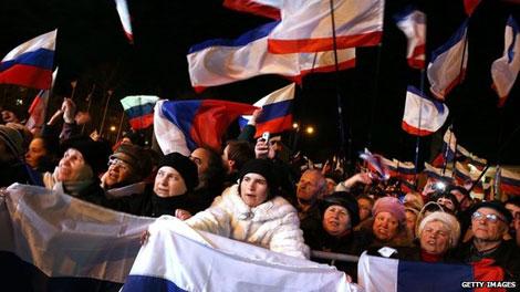 """""""Ăn miếng, trả miếng"""" ở Crimea"""