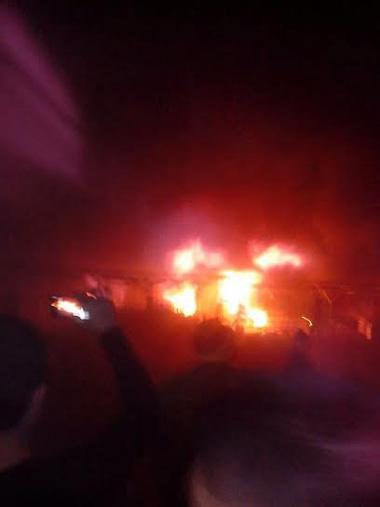 Chợ phố Hiến cháy cực lớn giữa đêm khuya
