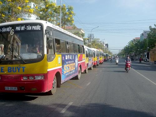 Tiền Giang: Gần chục xe buýt