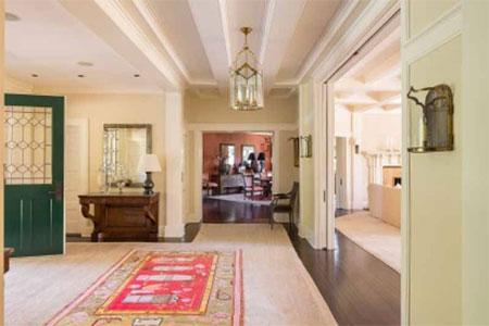 Căn nhà có diện tích sử dụng là gần 1.700 m2.