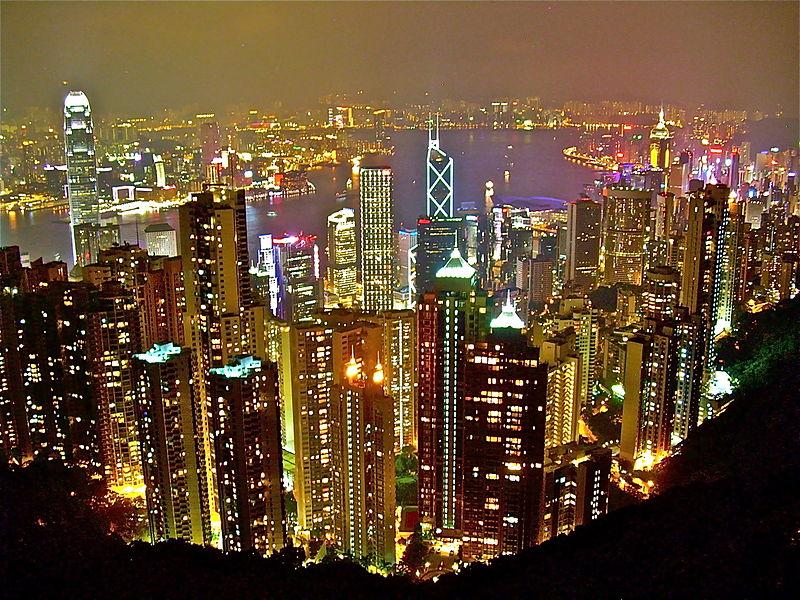 Hong Kong vẫn là nơi đắt đỏ nhất để sống và làm việc