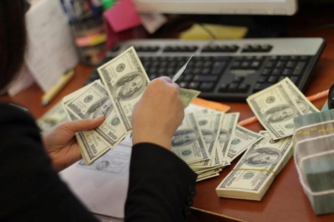 Cẩn trọng với sáp nhập ngân hàng