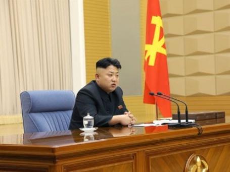 Sinh viên Triều Tiên buộc phải cắt tóc giống Kim Jong Un