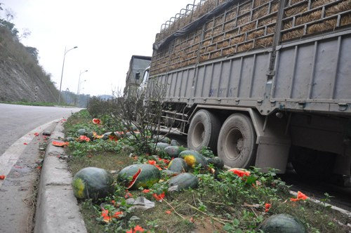 Xuất dưa hấu sang Trung Quốc: Số lượng tăng đột biến, thông quan không kịp