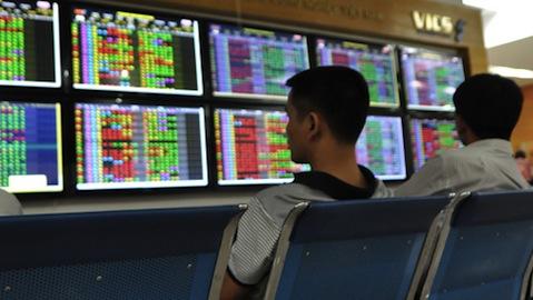 Đầu tuần giao dịch thuận lợi, VN-Index lấy lại mốc 600 điểm