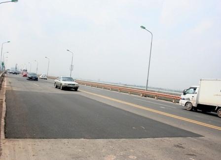 Bộ trưởng Thăng: Hơn 300 tỷ sửa chữa cầu Thăng Long là lãng phí
