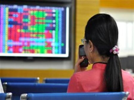VN-Index tăng 8,5 điểm, thanh khoản vẫn ì ạch