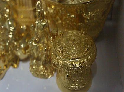 Rộ mốt ở nhà… dát vàng của đại gia Việt