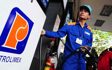 Lãi khối xăng dầu của Petrolimex tăng gấp 2,5 lần trong 2013