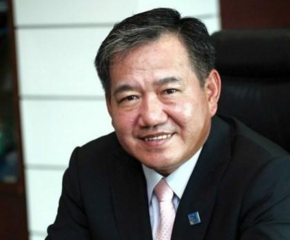 Tuần sau, ông Phạm Hữu Phú làm quyền Tổng giám đốc Eximbank