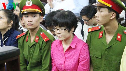 """Chủ tịch nước yêu cầu xem xét, rà soát vụ """"siêu lừa"""" Huyền Như"""