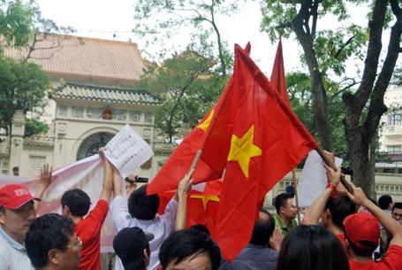 Người dân Hà Nội diễu hành yêu cầu Trung Quốc rút khỏi vủng biển Việt Nam