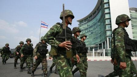 Quân đội Thái Lan ban bố tình trạng thiết quân luật