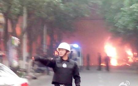 Trung Quốc: Thủ phủ Tân Cương rung chuyển vì nhiều tiếng nổ lớn
