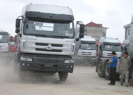 Xe tải Trung Quốc kém chất lượng ồ ạt vào Việt Nam