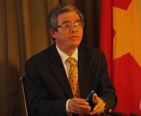 Thứ trưởng Phạm Quang Vinh phản đối Trung Quốc trên CNN