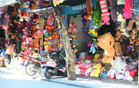 Thu giữ hơn 800 sản phẩm đồ chơi trẻ em nhập lậu
