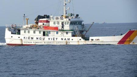 Máy bay và 120 tàu Trung Quốc vẫn bao quanh giàn khoan Hải Dương-981