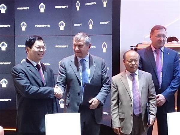 Việt Nam và Liên bang Nga ký thỏa thuận thăm dò dầu mỏ