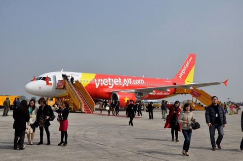 Bộ trưởng Thăng yêu cầu làm rõ nguyên nhân hủy, chậm chuyến bay hàng không