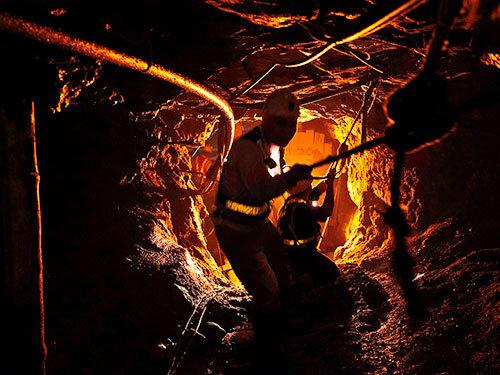 Nợ thuế, mỏ vàng đóng cửa