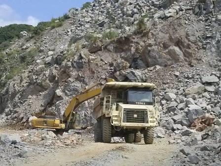 Sập mỏ đá làm 5 người chết: Doanh nghiệp định âm thầm