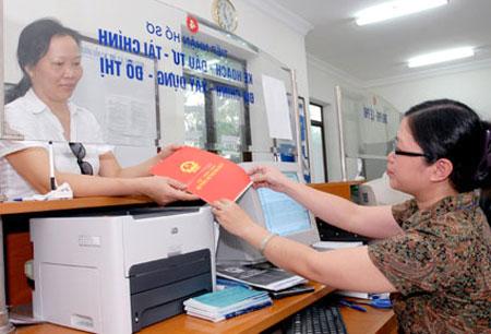 Hà Nội yêu cầu làm nhanh sổ đỏ cho người dân