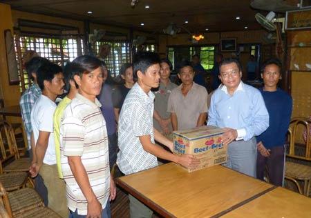 Philippines cam kết tạo điều kiện để ngư dân VN bị tạm giữ về nước