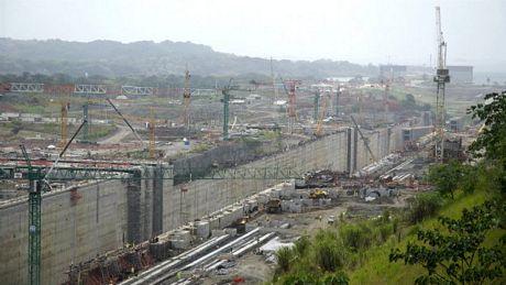 Đứng trước thực tế đó, Panama đang đầu tư 5 tỷ USD để mở rộng kênh đào.