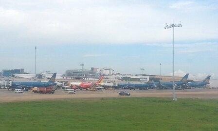 Vì sao cần xây sân bay Long Thành, không mở rộng Tân Sơn Nhất?