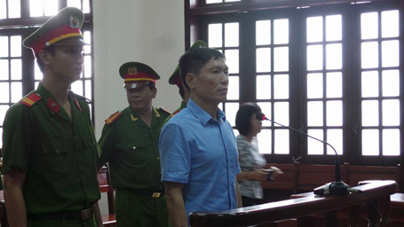 Dương Tự Trọng bị cáo buộc về tội lợi dụng chức vụ, quyền hạn trong khi thi hành công vụ.