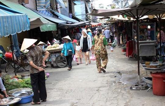 Chợ Nguyễn Tri Phương (quận 10 ) vắng vẻ lạ thường trong buổi sáng ngày 2-9