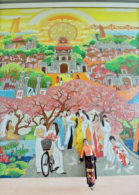 Bức tranh gốm cao nhất Việt Nam tại Lotte Center Hà Nội