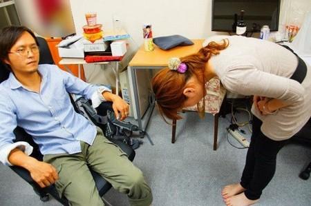 """Kỳ lạ dịch vụ """"xin lỗi thay"""" tại Nhật Bản"""